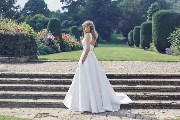 Lyn Ashworth releases Pure Love Collection