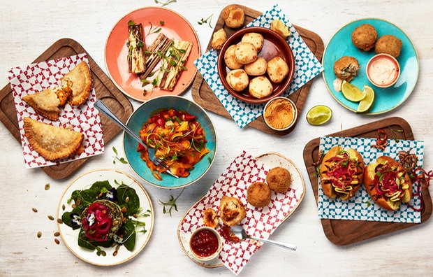 Cocktails and tapas... the perfect party combination!